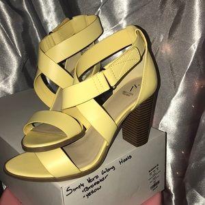 Simply Vera wang heels 👠